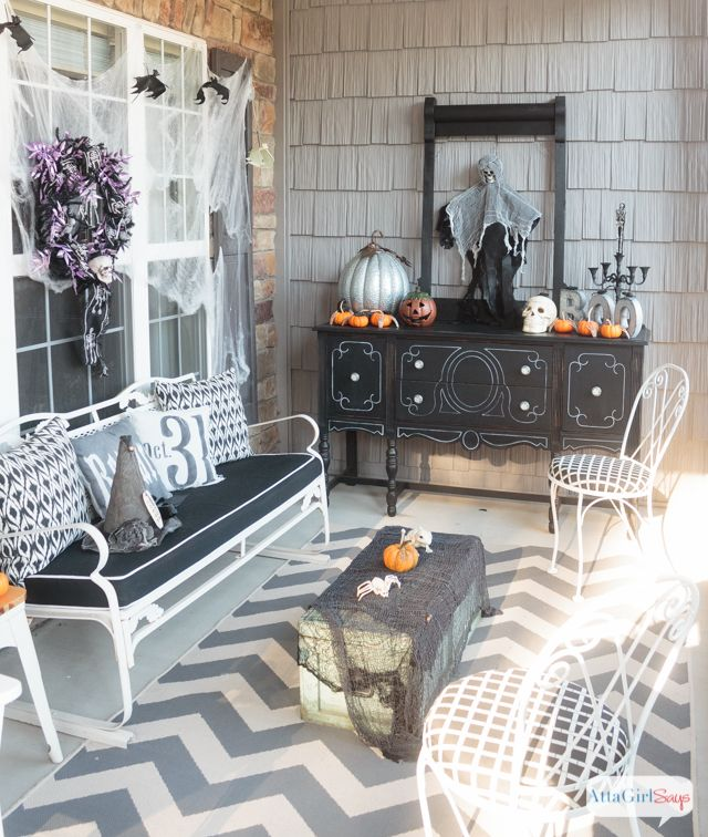 Scare Your Neighbors With These Diy Halloween Decorations