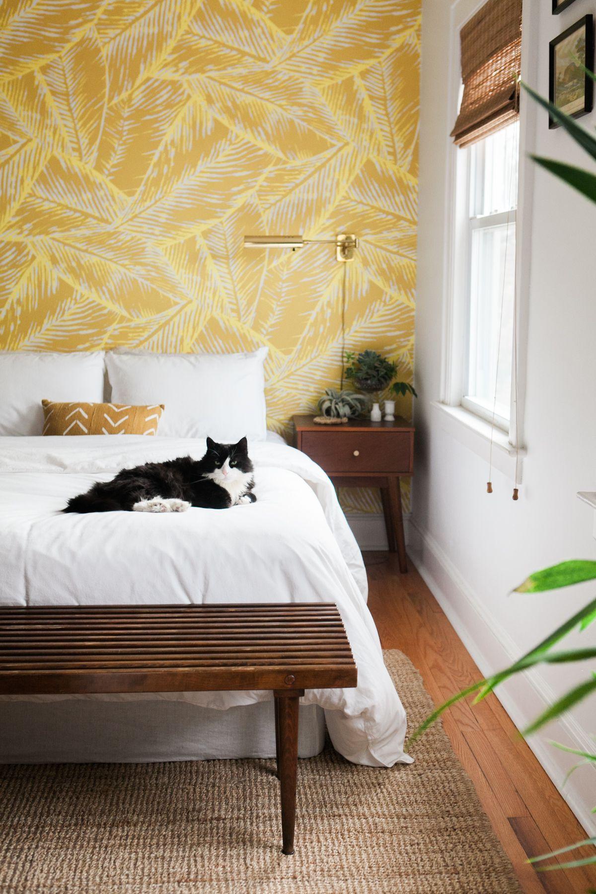 Wallpaper And Hardwood Yellow Home Decor Diy Home Decor Bedroom Home Decor Bedroom