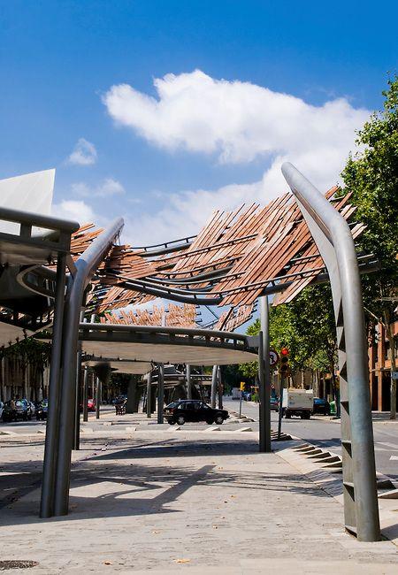 Pergolas. Avenida Icaria. Barcelona. Miralles y Pinos