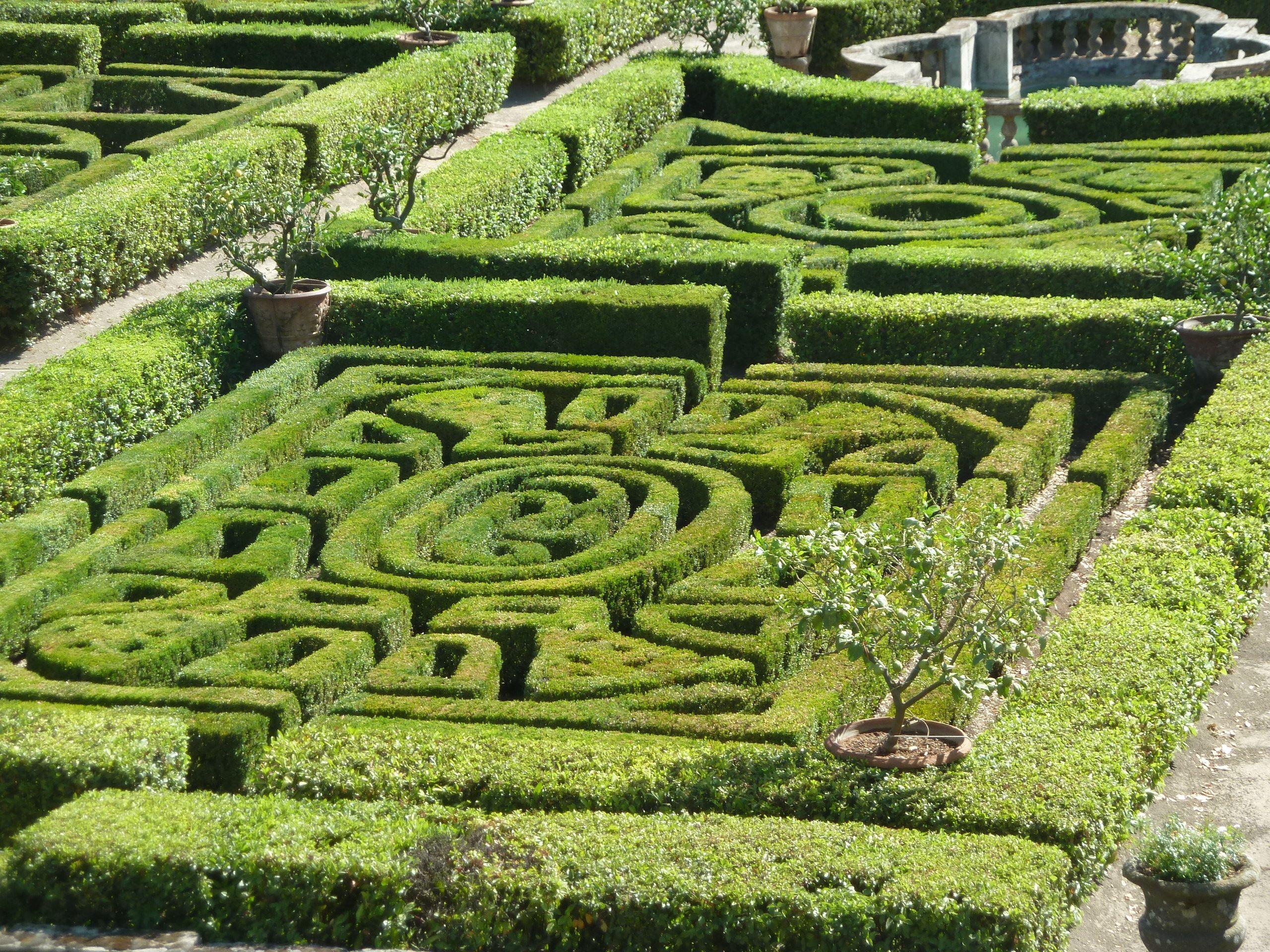 labyrinthe on Pinterest Labyrinths, Maze and Hedges