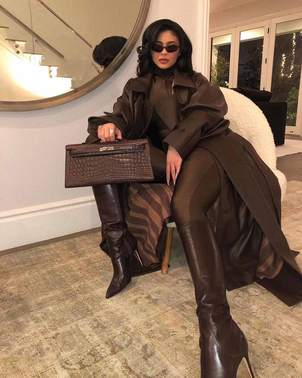 Kylie Jenner Dark Brown Leather Boots Street Style Autumn Winter 2019 On Sassy Daily Kylie Jenner Outfits Kylie Jenner Street Style Kylie Jenner [ 1250 x 1000 Pixel ]