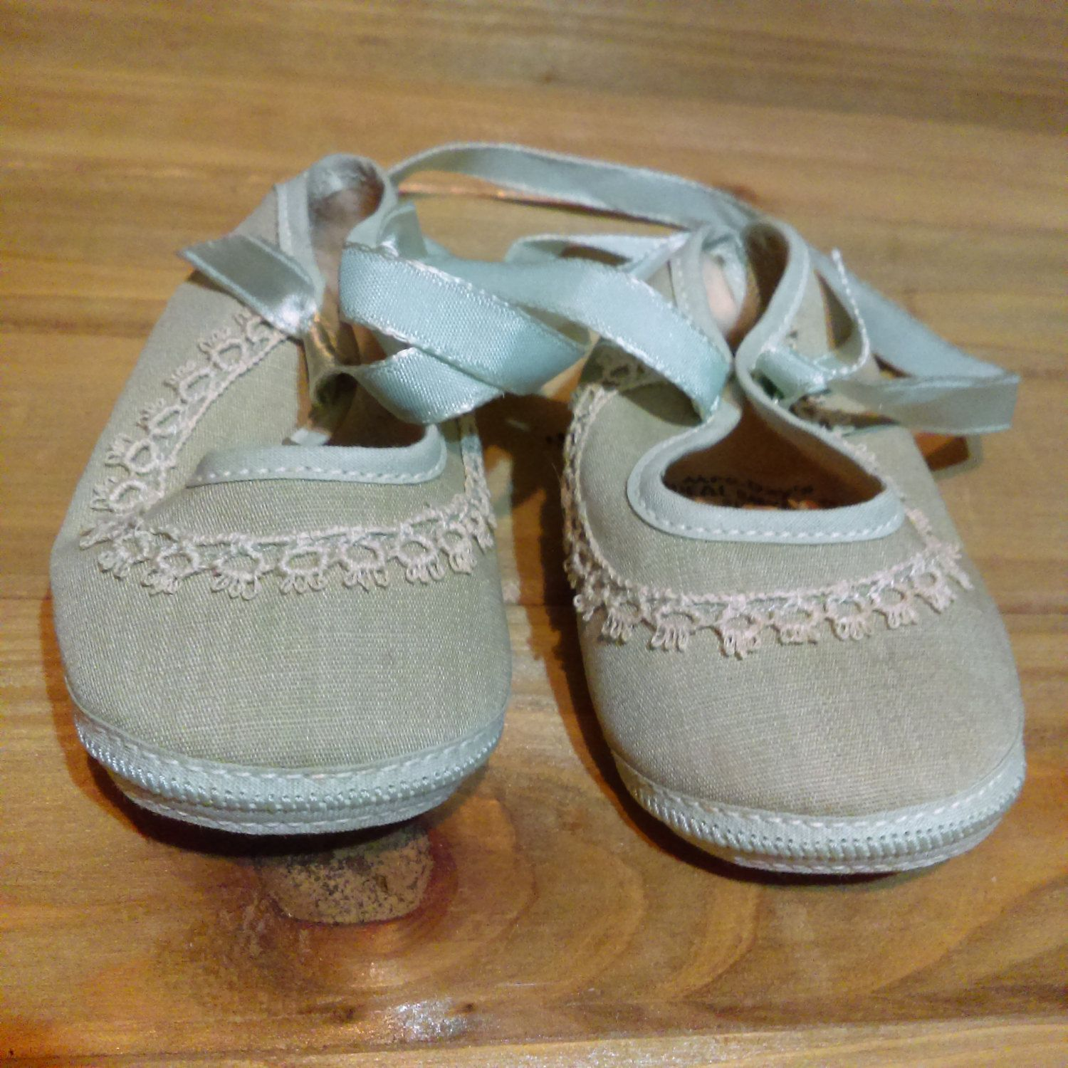 Vintage Newborn Shoes Infant Baby Shoes 1940s Mrs Days IDEAL Baby