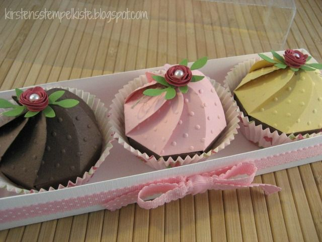 Kirstens Stempelkiste: Anleitung für die Cupcakes aus der Bigz XL Faltblume