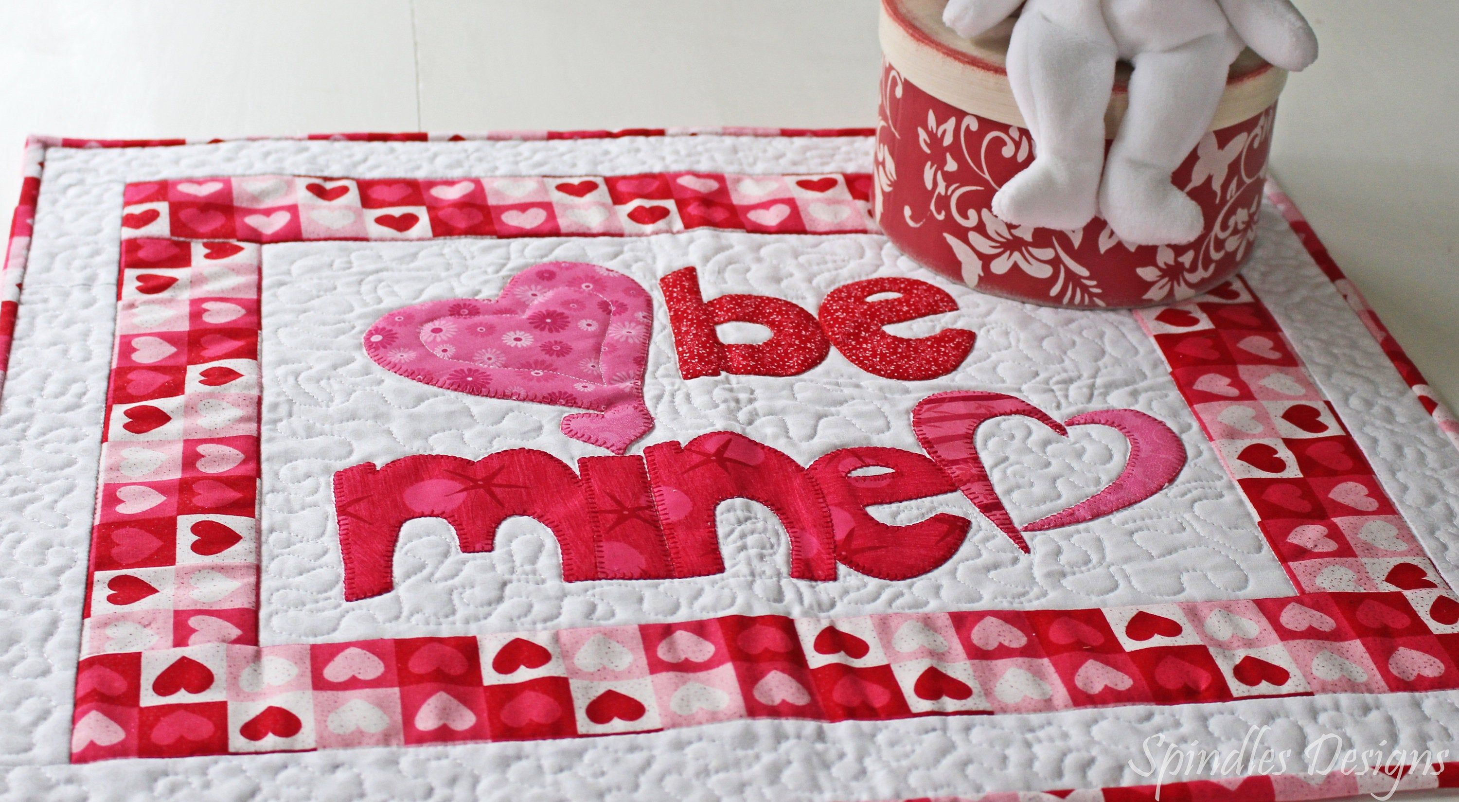 Quilted Table Topper Valentine S Day Table Topper Applique Table Topper Quilt Valentine S Day Wall Hanging Quilt In 2020 Quilted Wall Hangings Quilted Table Toppers Hanging Quilts