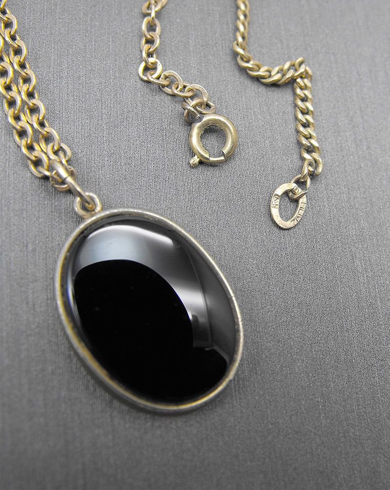 Vintage krementz necklace black onyx oval pendant gold overlay in