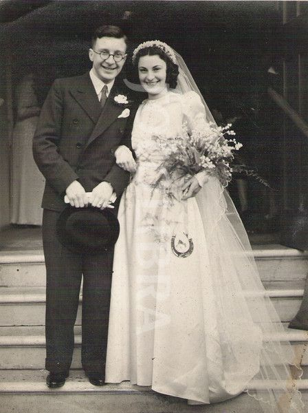 Wedding couple 1940s London, England | Vintage Brides and ...