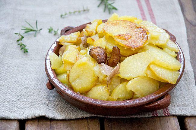 Receta De Patatas Al Montón Patatas A Lo Pobre Receta Recetas Con Patatas Patatas Recetas Con Papas