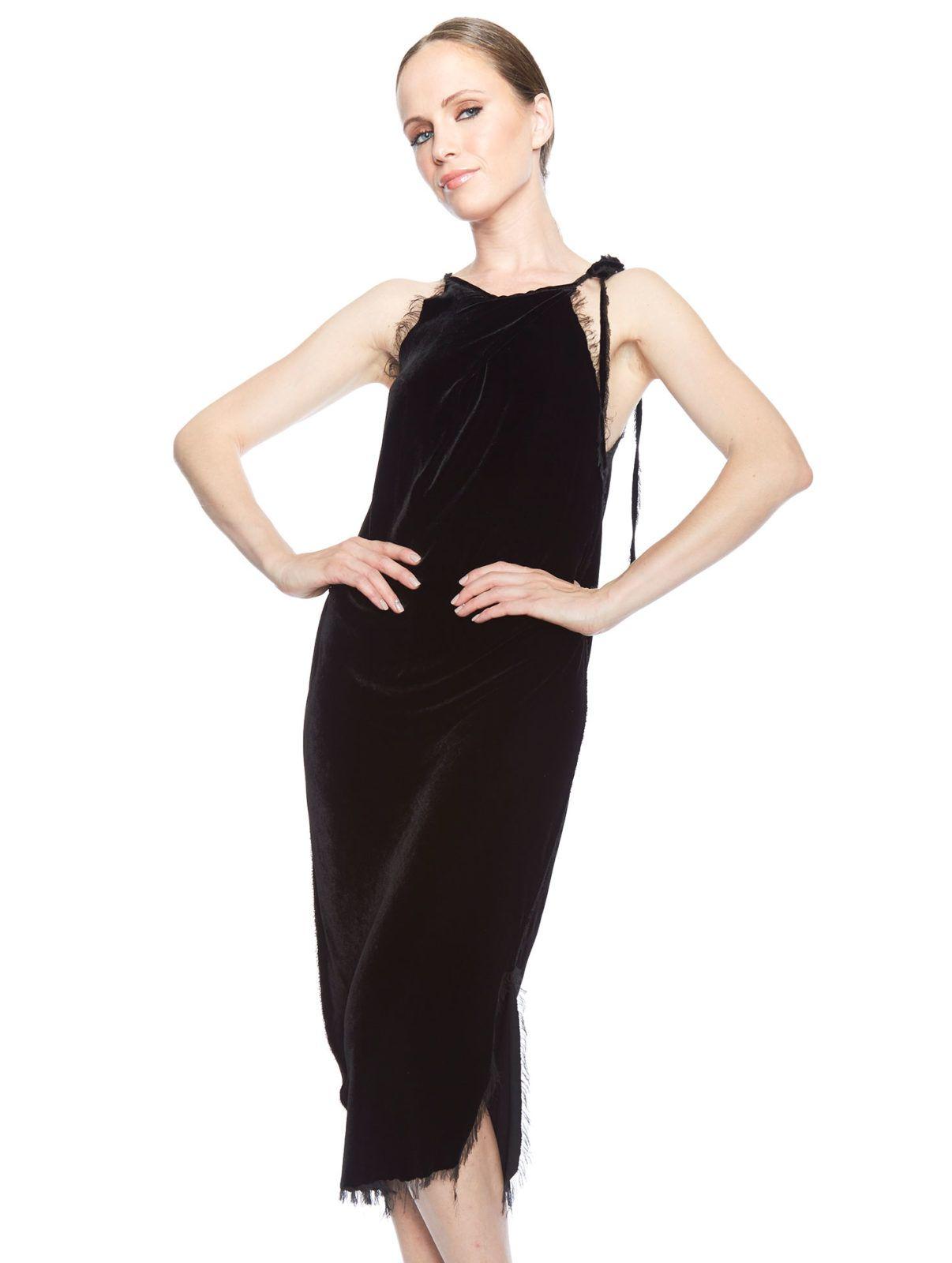 Velvet Dress - Black :https://www.amandamillsla.com/index.php/product/velvet-dress-black/