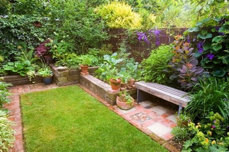 25 Admirable Budget Backyard Diys That Are Borderline Genius Backyard Backyarddecor Backyardid Garden Design Ideas On A Budget Budget Backyard Diy Backyard