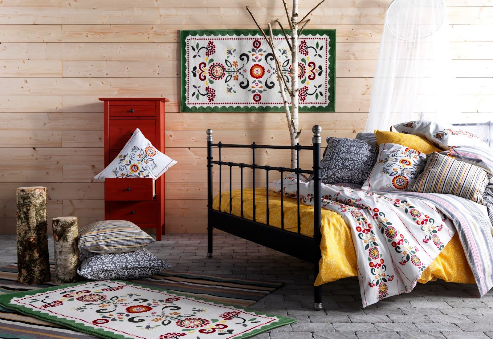IKEA SVELVIK bed frame. It\'s okay if the furniture doesn\'t match ...