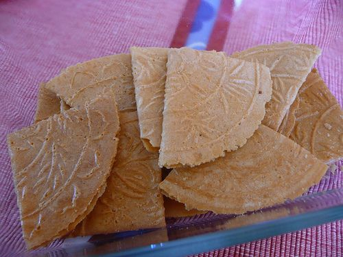 easy love letters (kuih kapit) ~ singapore food | recipes | cny