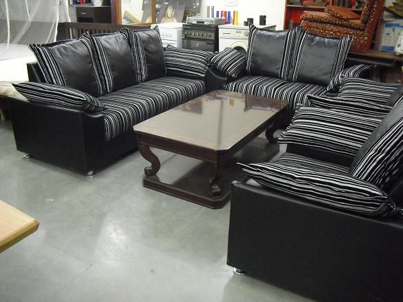 For sale black and white textured sofa in excellent condition the set is available with seating options used less than  year also vipul enterprises vipulenterprise on pinterest rh