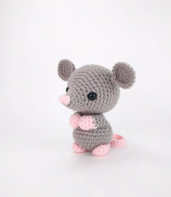 PATTERN: Maxwell the Mouse - Crochet mouse pattern - amigurumi mouse pattern - crocheted mouse pattern - PDF pattern - English Only #craftsaleitems