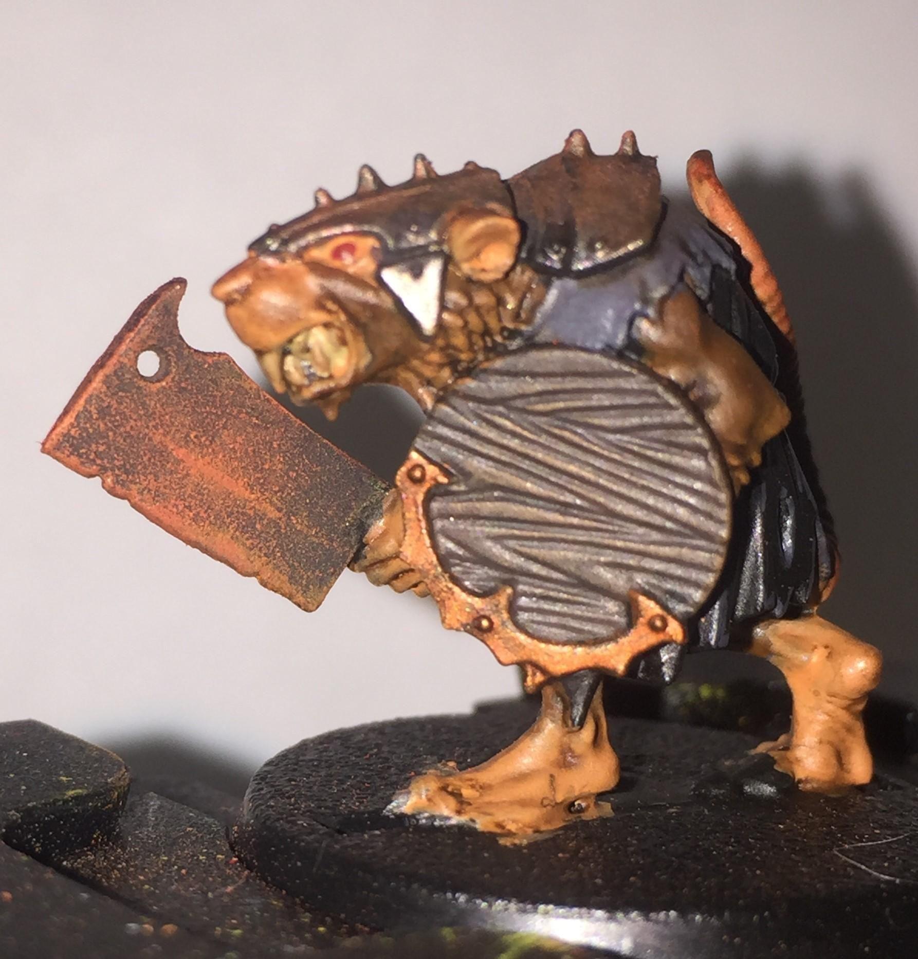 Realistic Rust Effect Skaven Clanrat Cleaver Minipainting Mini Paintings Miniature Painting Painting Tutorial