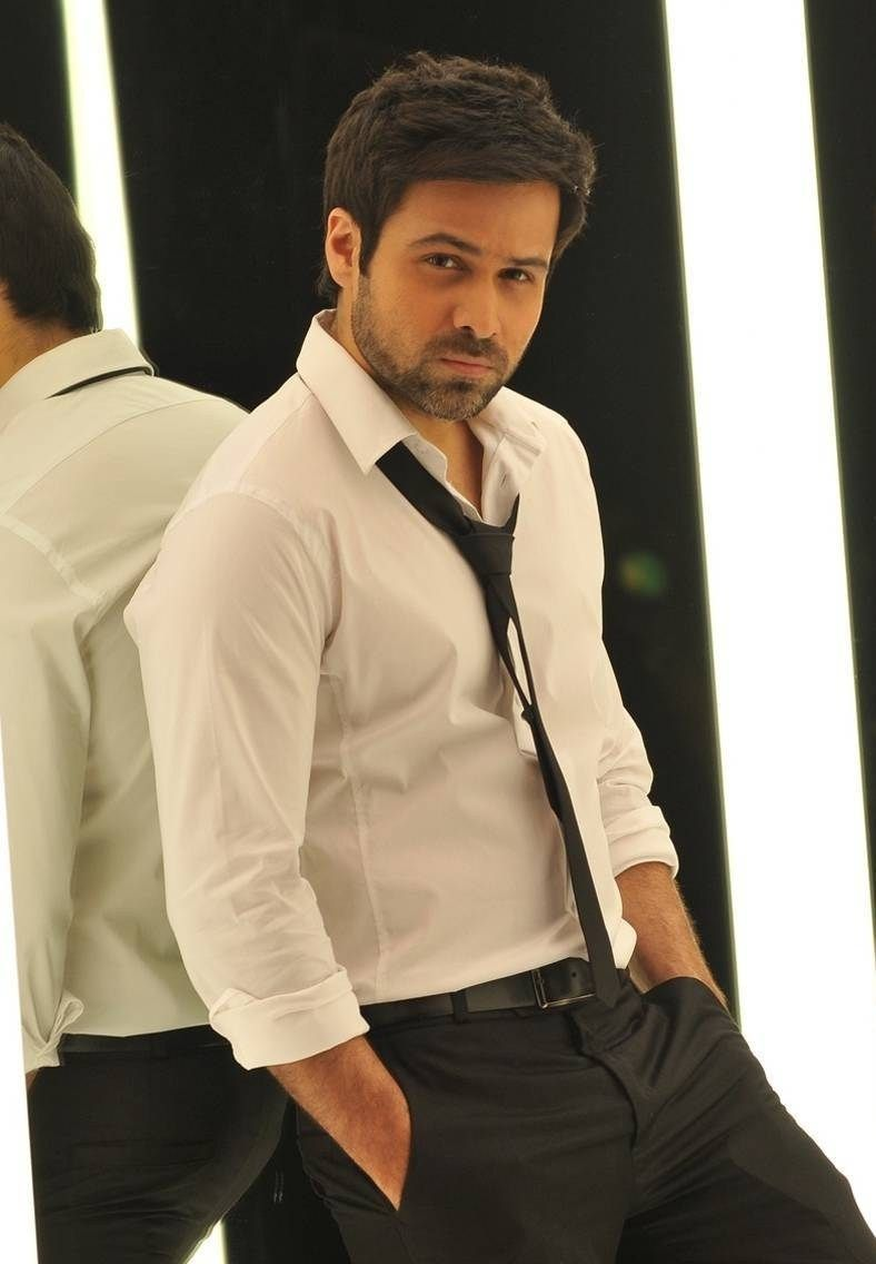 Emraan Hashmi Biography Age Wife Children Family Caste Wiki More In 2020 Bollywood Actors Bollywood Celebrities Handsome Actors