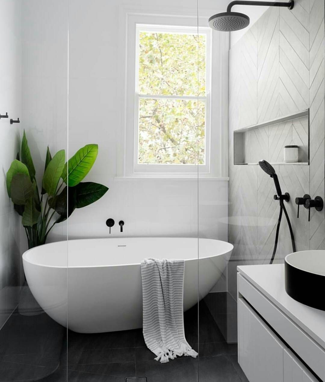Design von badezimmer repost mintempire create this bathroom look with our olivia stone