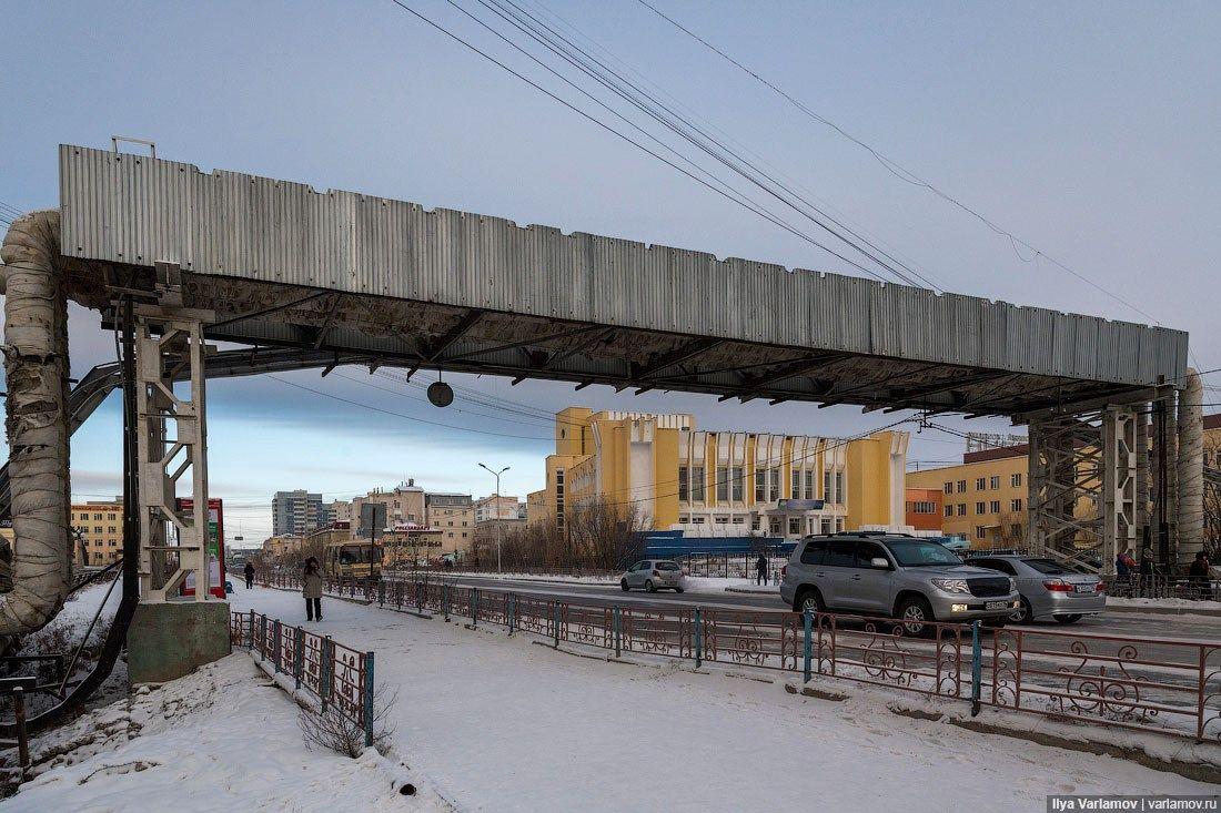 Илья Варламов опубликовал в своих блогах заключительные материалы о Якутске —статью в «Живом журнале» и видео на YouTube. Вердикт блогера —плохой Якутск. Так, Варламов раскритиковалинфраструктур…