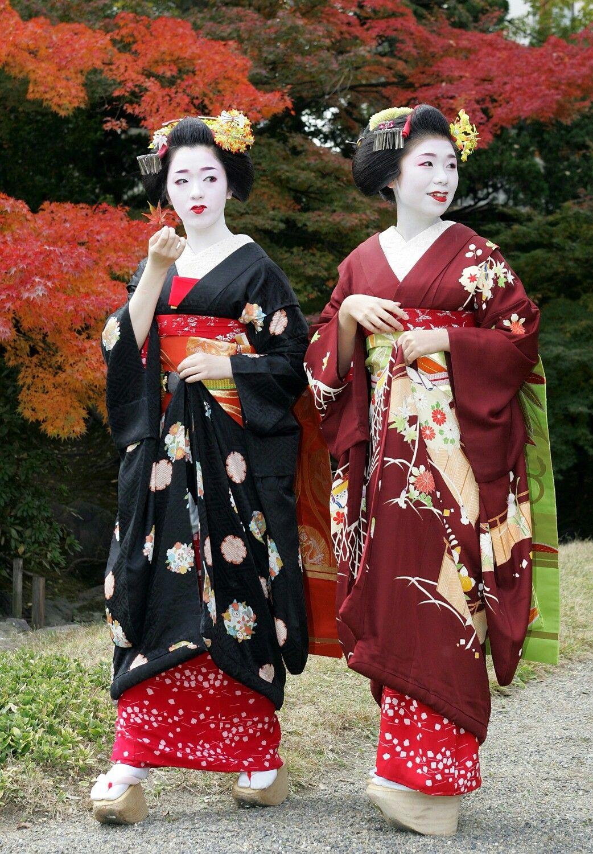 japanese seasonal tradition held - HD1042×1500