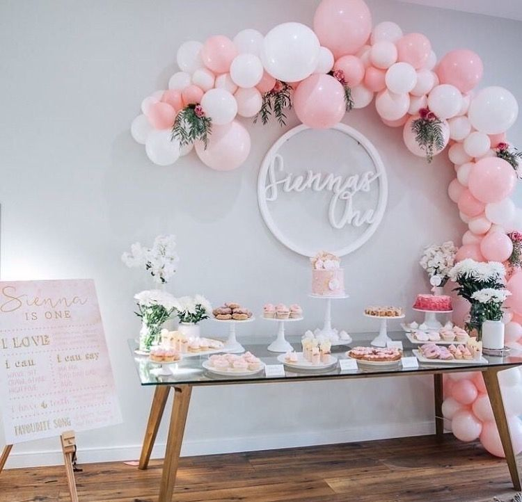 A very pink sweets table  mischmasch in 2019