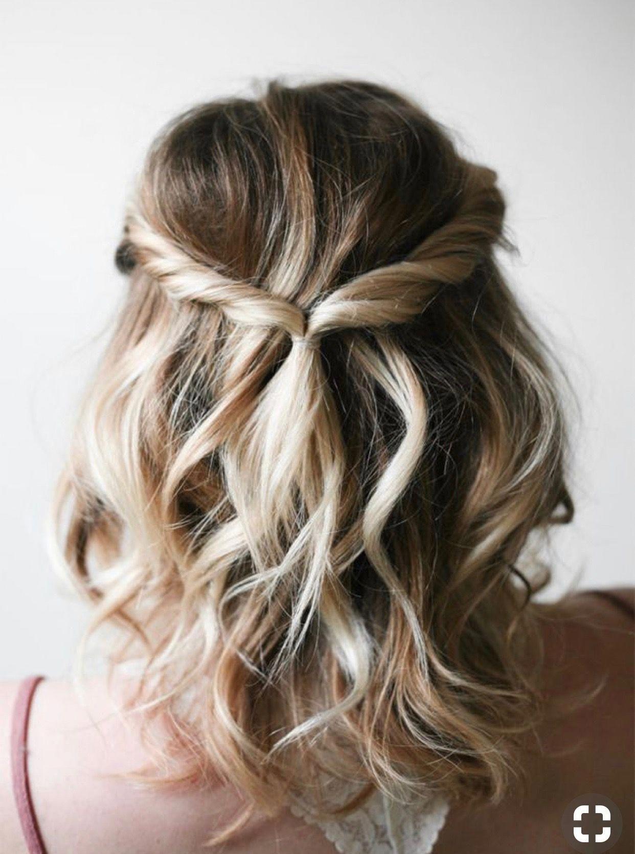 Hairstyles For Medium Length Hair Womens Hair Easy Hairstyles Hair Half Up In 2020 Medium Length Hair Styles Medium Hair Styles Bridesmaid Hair Short