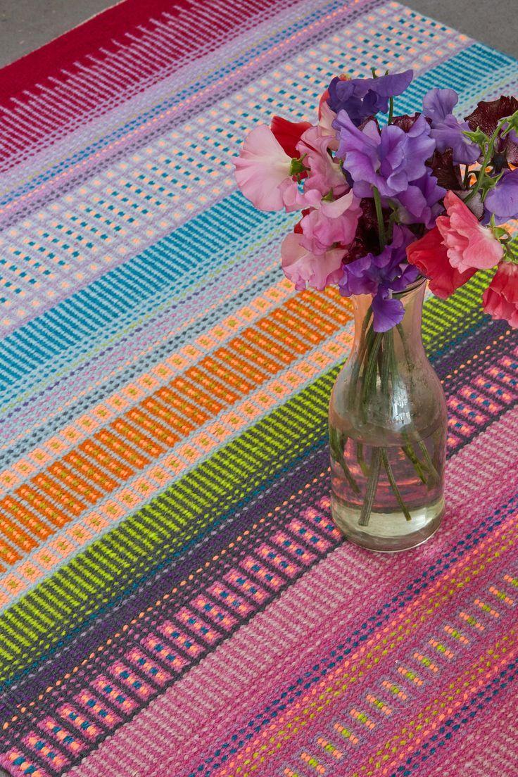 Look at these amazing colors, great for inspiration. Small Business Friday with Angie Parker. #trafalgarsquarecraftbooks #TSBcrafts #weave #handweaving #weaving #weaversofinstagram #counterbalanceloom #loomweaving #weavingloom #ripsmatta #warpandweft #swedishweaving #swedishstyle #drällpattern #repweaves
