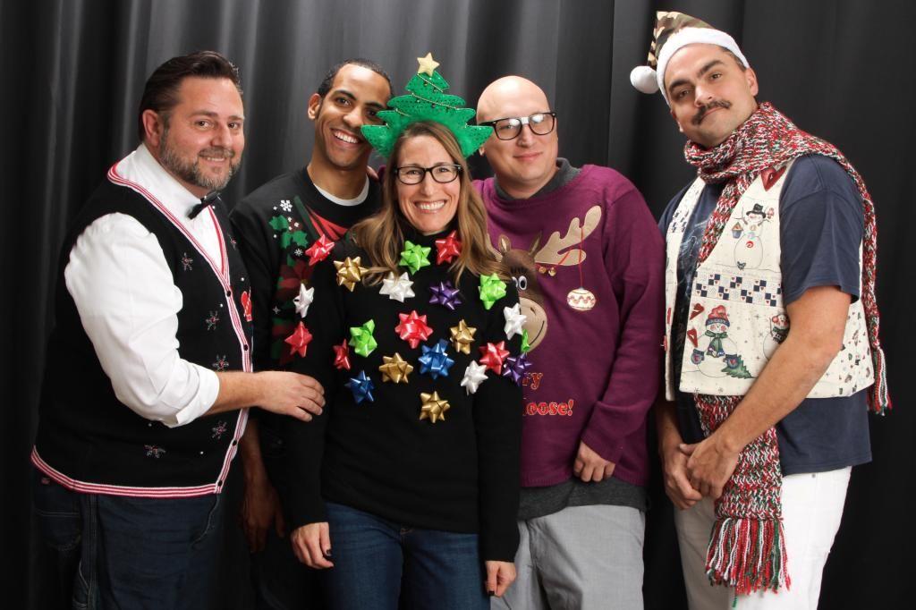 #holidayphotos #awkwardfamilyphoto  @landonl87