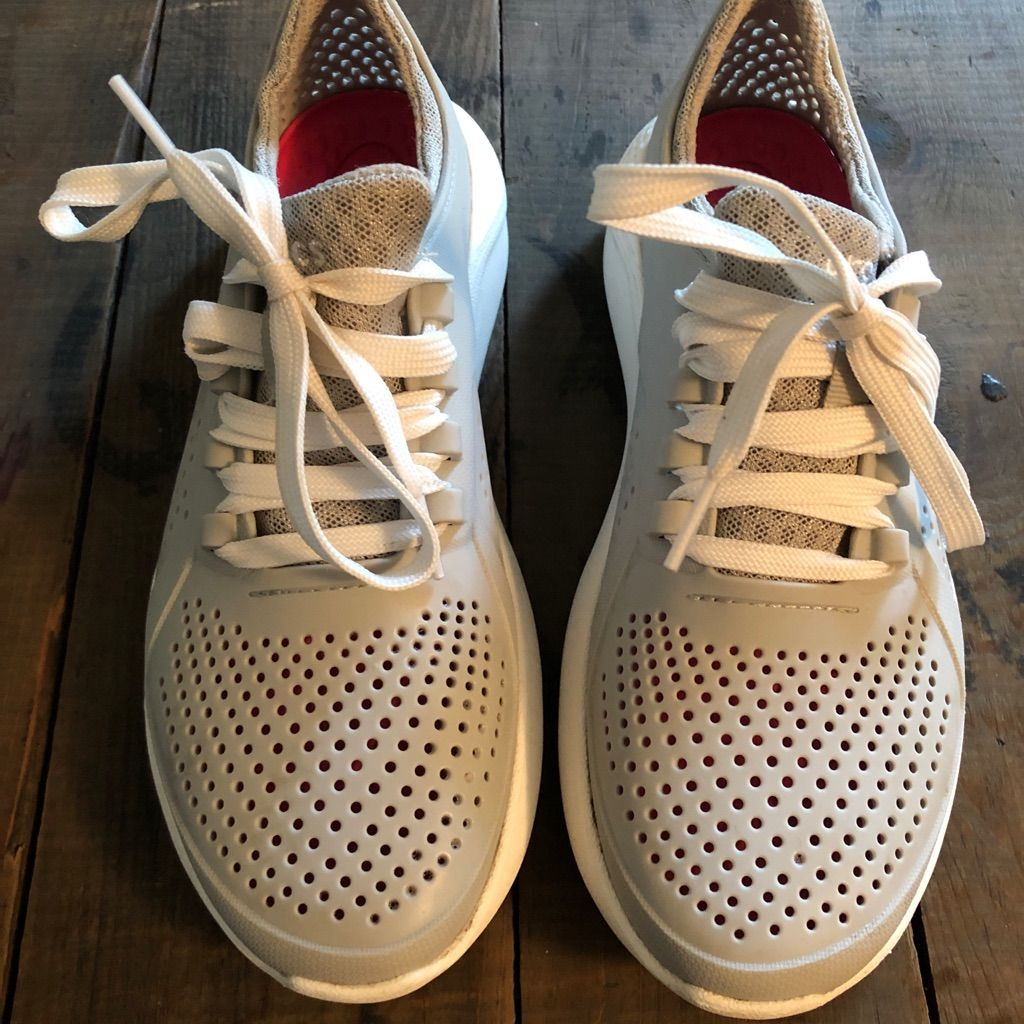 CROCS Shoes Womens Croc Tennis Shoes. Color Gray