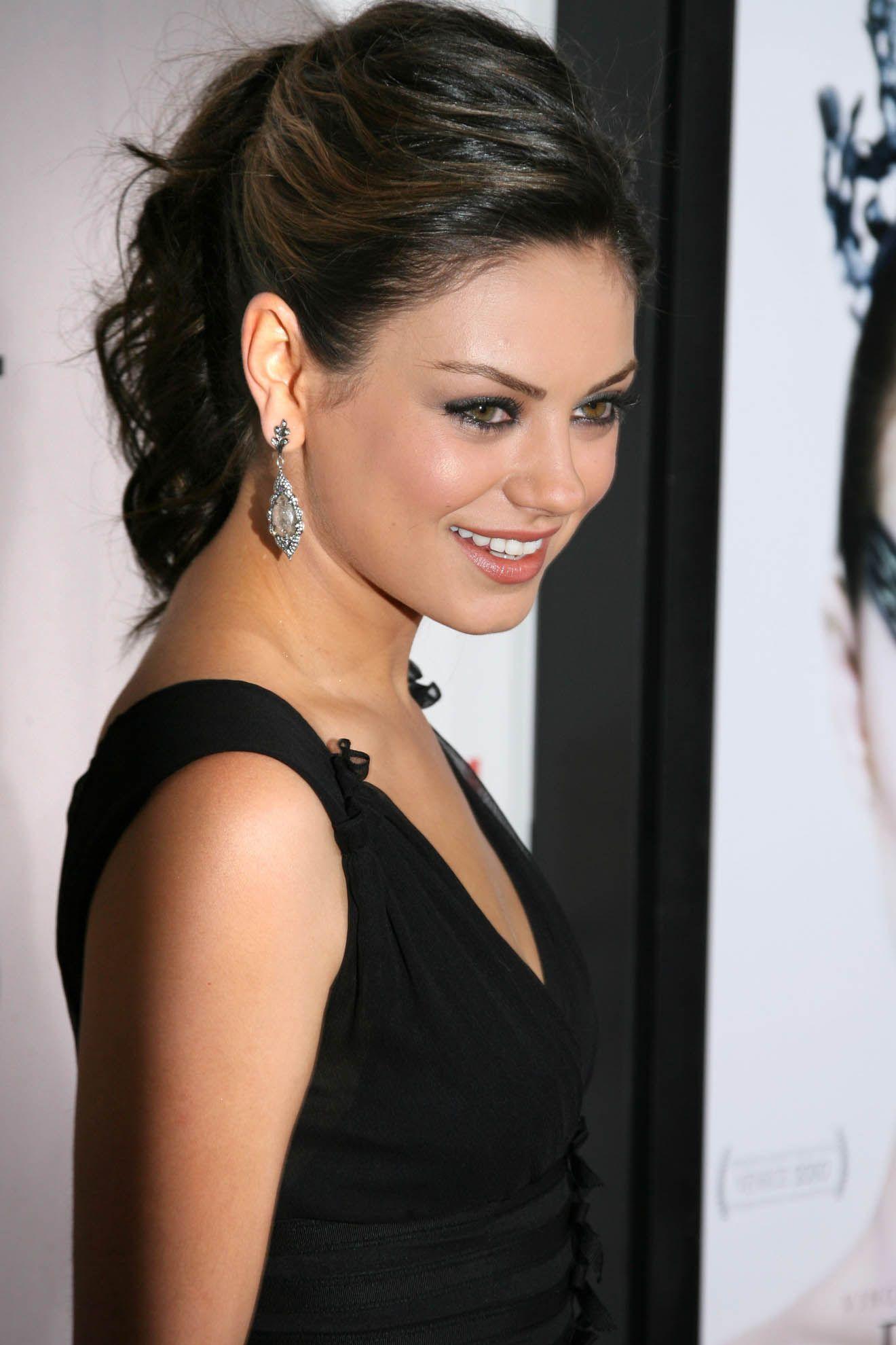 Mila kunis wedding dress  Mila Kunis  uc  Pinterest  Mila kunis Actresses and Celebrity list