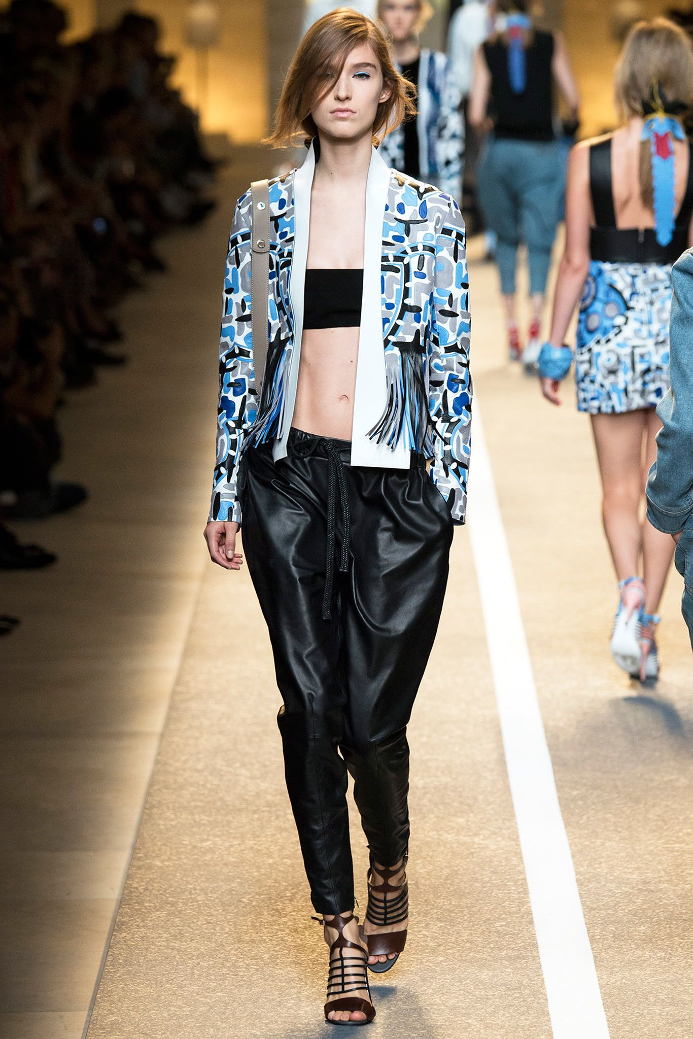 0b59e967d66 Fendi Spring 2015 Ready-to-Wear - Collection - Gallery - Look 1 - Style.com