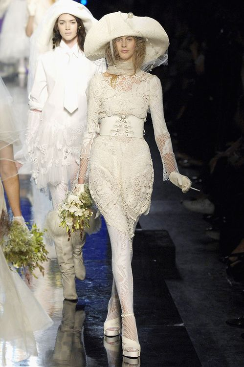 Robes de mariee jean paul gaultier