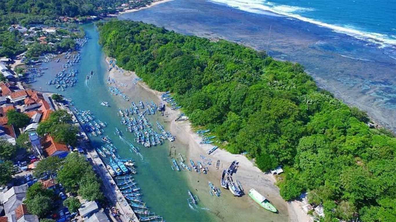 Pantai Terdekat dengan Bandung yang Mempesona di 9  Pantai