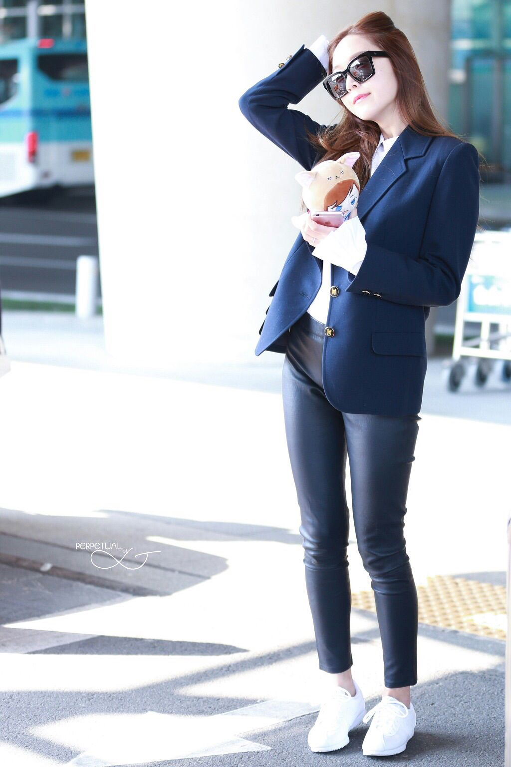 Snsd Jessica Jung Airport Fashion Style Pinteres