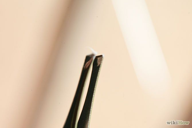 remove a splinter under your fingernail