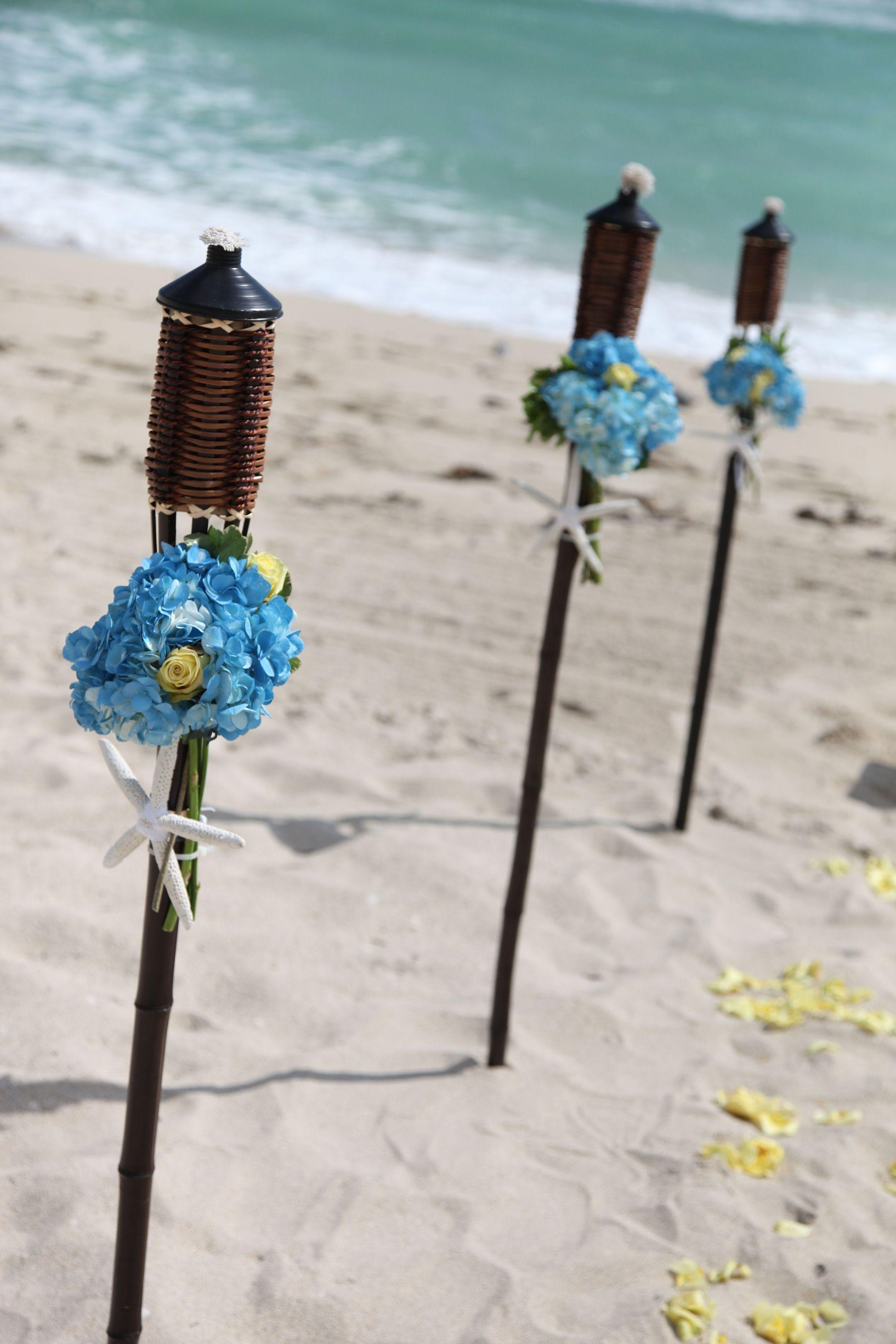 Simple Beach Wedding Bouquets   Real Wedding: Justin and Sara's Beach Wedding
