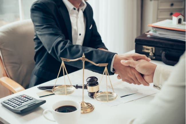 See Why People Are Choosing Specialized Lawyers And Attorneys To