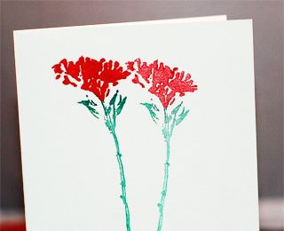 Help your kids make these Wildflower greeting cards just in time for Mother's Day!