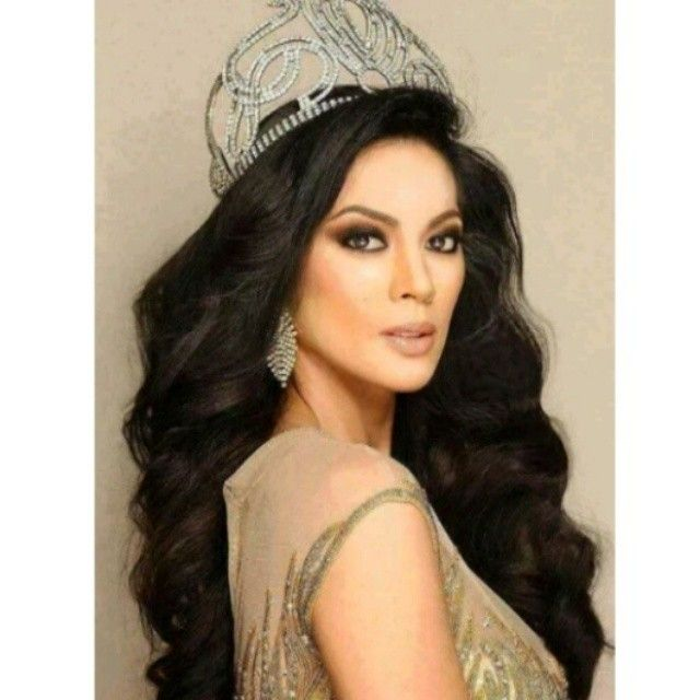 I don't know about you, but this is the photo of a #MissUniverse for me. Way to go, #AriellaArida, I finally have accepted your victory. Was a crazy night with my roomies. Screamfest, wala nang iba. Got a call of complaint because of the shouting. Can't help it. Walang tulugan for this pageant. Thanks! @albertish @sonnygc28 #KeeneMelocoton #ChanChan and #FriendniKeene Go go #Philippines #beautiful apa.