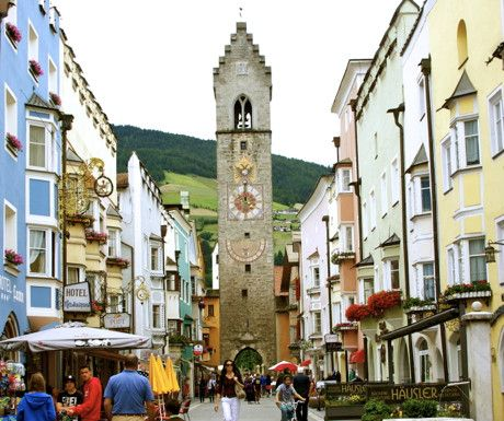5 Alpine towns to see in South Tyrol, Italy http://www.aluxurytravelblog.com/2013/08/09/5-alpine-towns-to-see-in-south-tyrol-italy/