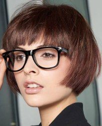 Hairstyles and clothing to create female business