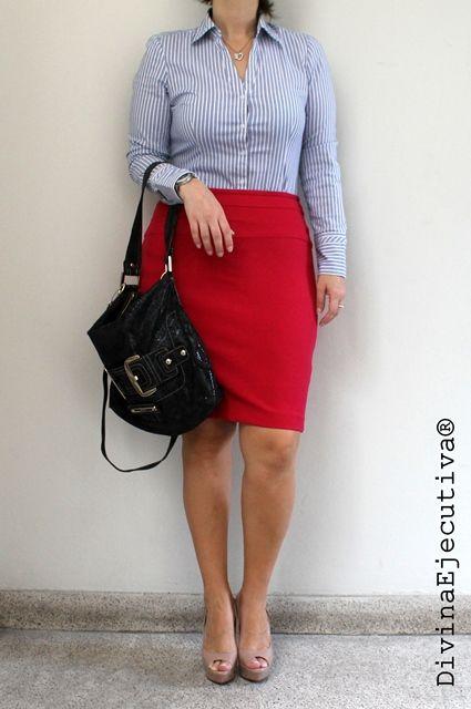 DIVINA EJECUTIVA: Look del día: Una falda roja