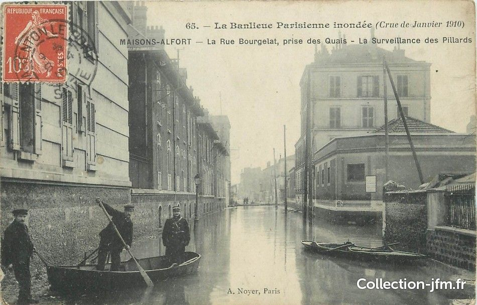 """/ CPA FRANCE 94 """"Maisons Alfort, la rue Bourgelat"""" / INONDATIONS   94 val de marne : maisons ..."""