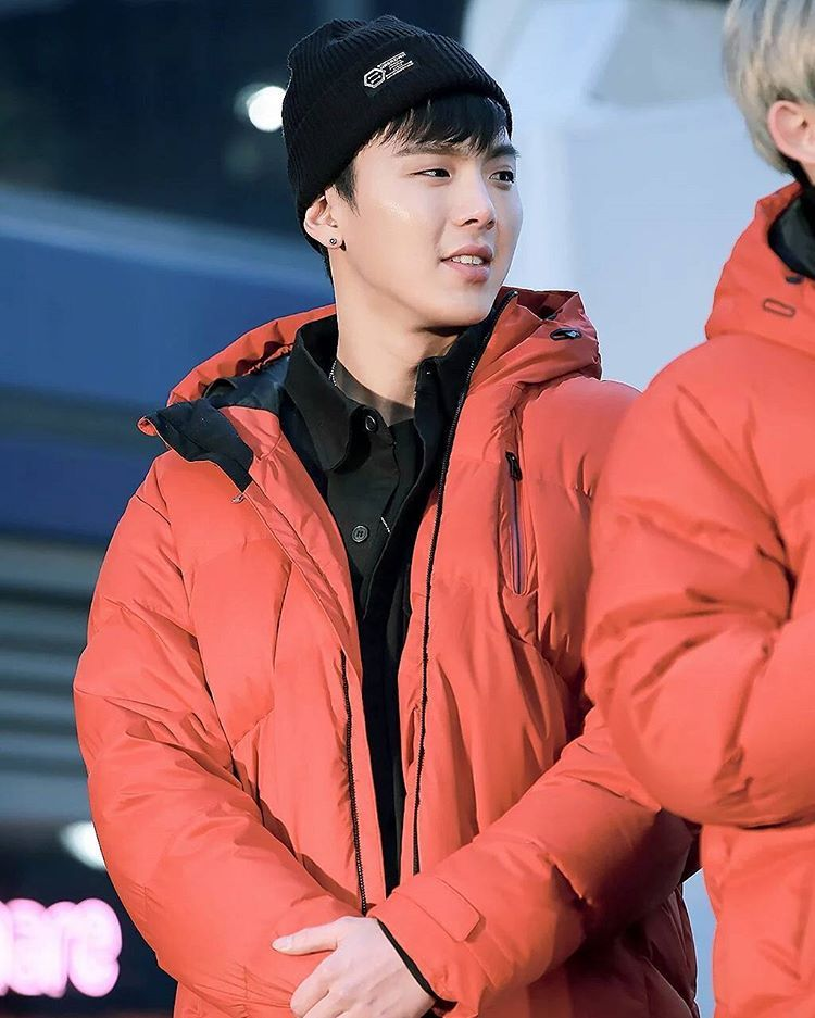 - #shownu #셔누 #MonstaX #kpop #몬스타엑스 #SonHyunwoo #jooheon #minhyuk #wonho #kihyun  #changkyun#hyungwon#monbebe#몬베베  cr. show you