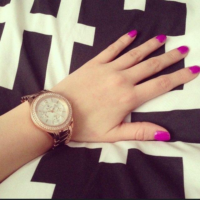 #Bulova and a hot pink mani! #Nails #Mani #Watch #Colors #Fuschia #Pink