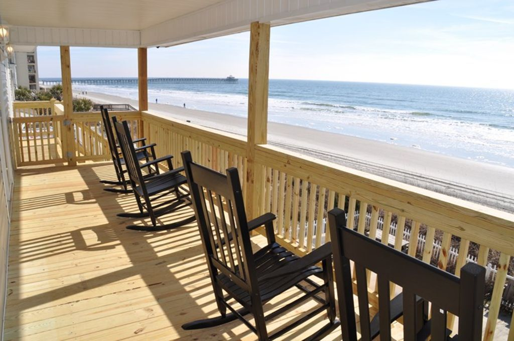 Oceanfront Pet Friendly HouseCherry Grove, North Myrtle