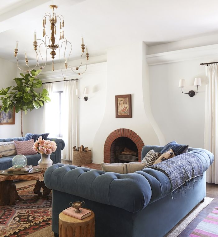 Bungalow Living Room: A Spanish Living Room
