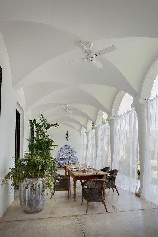 Lavish Arabic Style Interior Decoration Wine Country Residence Argentina Dining Room