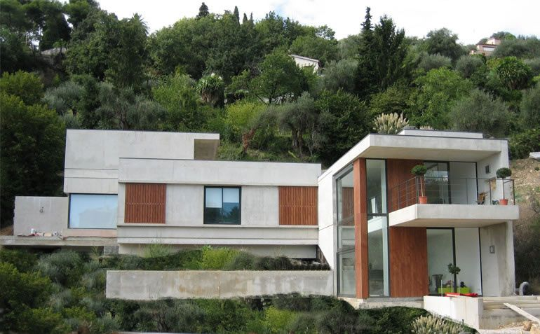 piscine sur terrain en pente - Recherche Google Idées pour la - construction maison terrain en pente