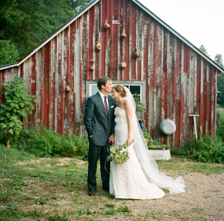 Designed By Calder Clark And Shot A Bryan Photo This Blackberry Farm Wedding Was Featured In Martha Weddings On Snippet Ink
