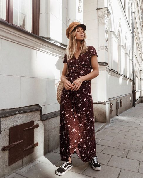 94418529b27 Other Stories Printed Wrap Maxi Dress Teamed With Vans Old Skool Sneakers  Plus Suede Beret And Knitted Bag Street Style Parisian Girl Outfit Tumblr