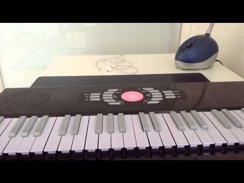 jouer la musique du flic de berverly hills au piano le on de piano youtube le on piano. Black Bedroom Furniture Sets. Home Design Ideas